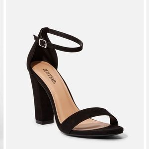 NEW JustFab heels size 6
